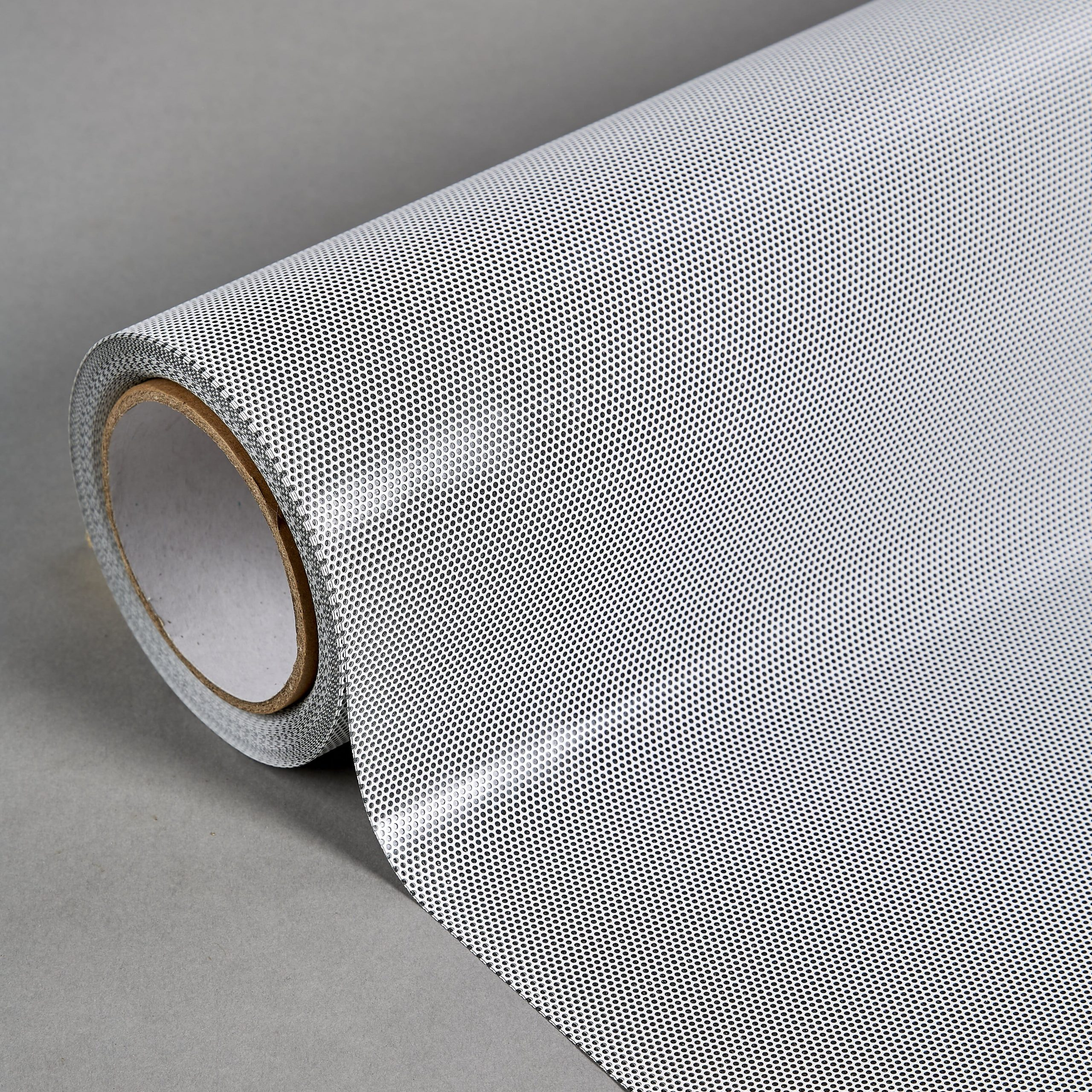 Roll Close White On Black 50% 0