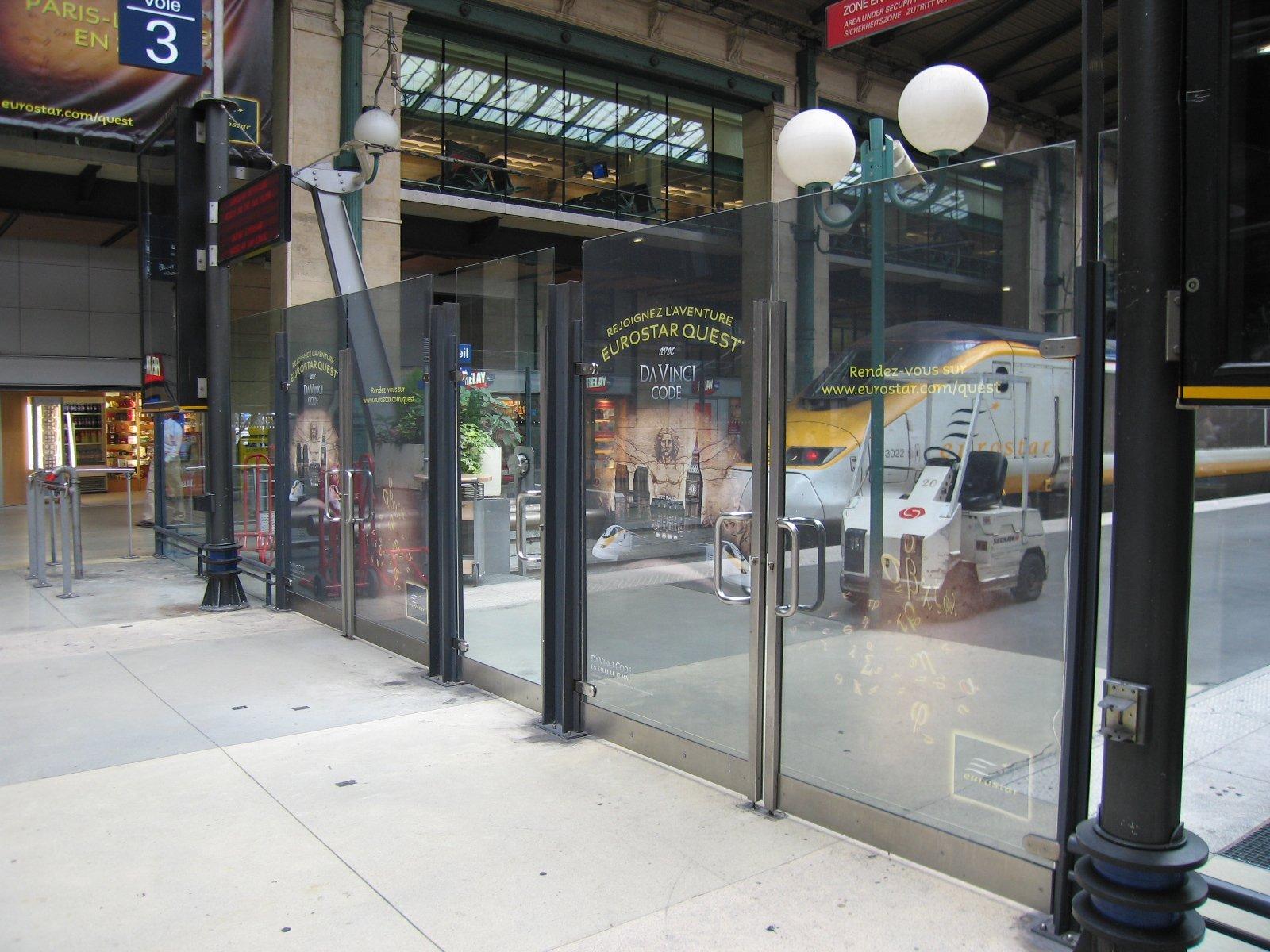 platform-safety-barrier-window-advertising