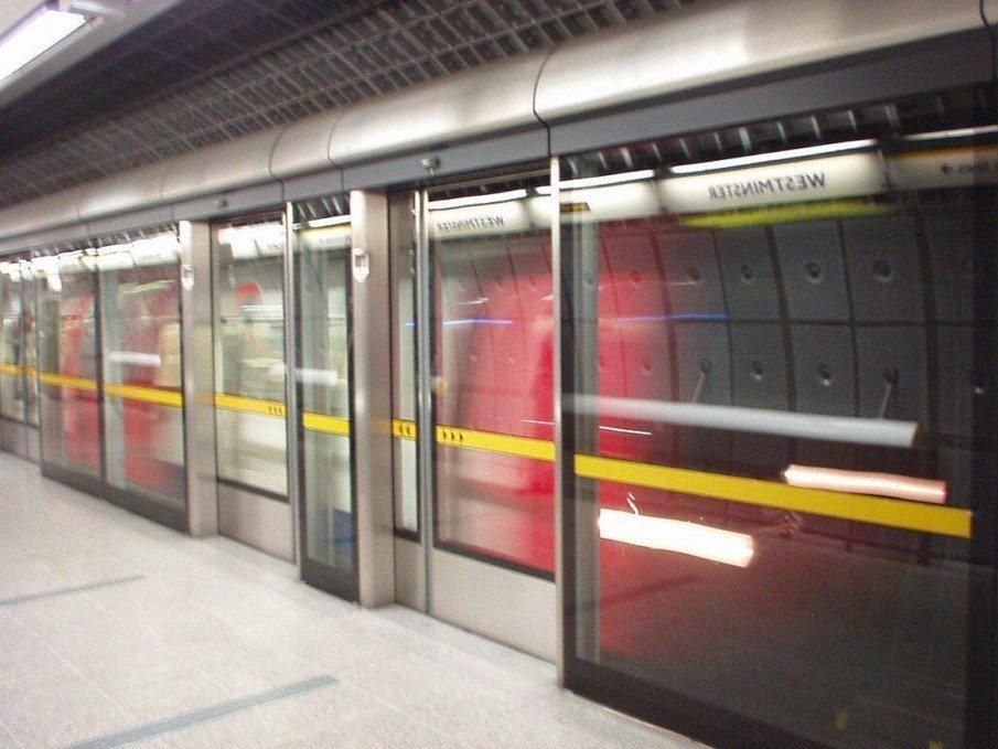 platform-safety-barriers-one-way-vision-window-film