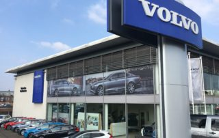 volvo-showroom-highlight-see-through-window-graphics